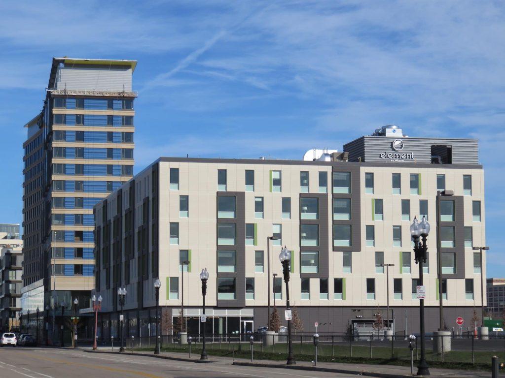 ALIVA - Element Hotel